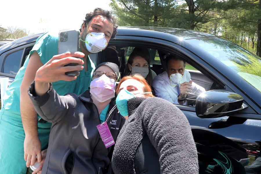 ¿Cómo será el mundo tras la pandemia? Ciudadanos de siete países, incluido Chile, relatan cómo se lo imaginan